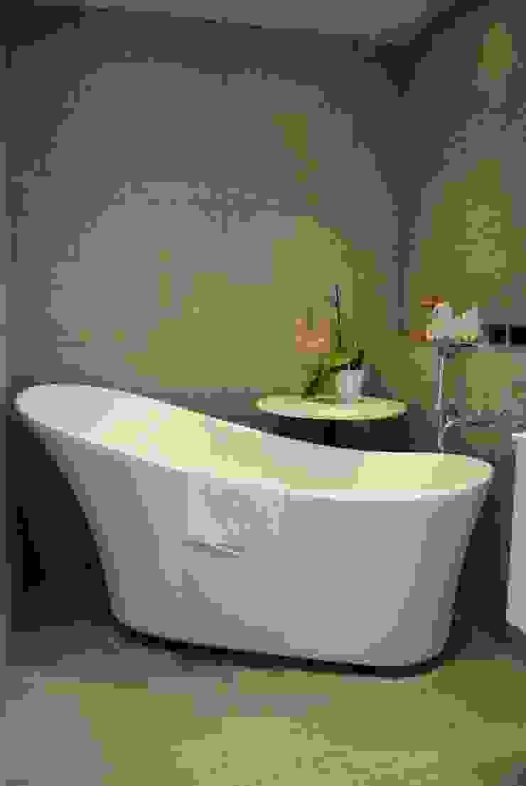 House in Winchester Ванная комната в стиле модерн от LA Hally Architect Модерн