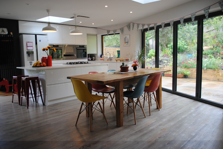 House in Winchester Modern Dining Room by LA Hally Architect Modern