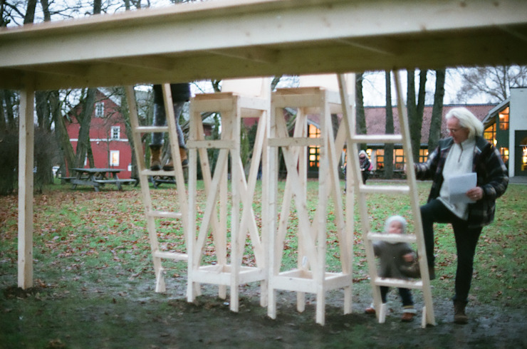 The fragile table : Hidemi Nishidaが手掛けたミニマリストです。,ミニマル 木 木目調