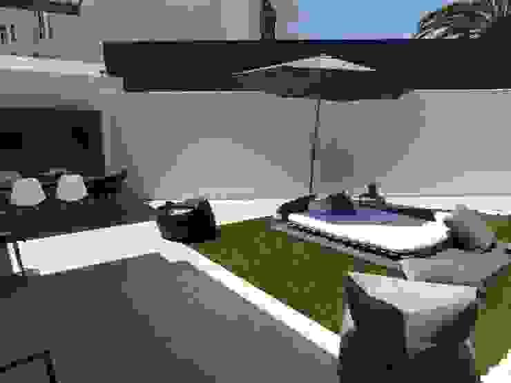 MORADIA PARK: Jardins  por ARQAMA - Arquitetura e Design Lda