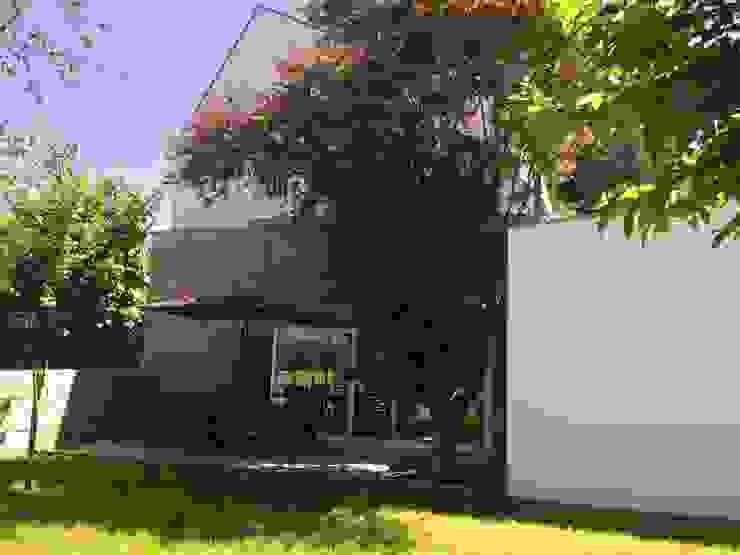 Maisons modernes par Bárbara abreu Arquitetos Moderne Pierre