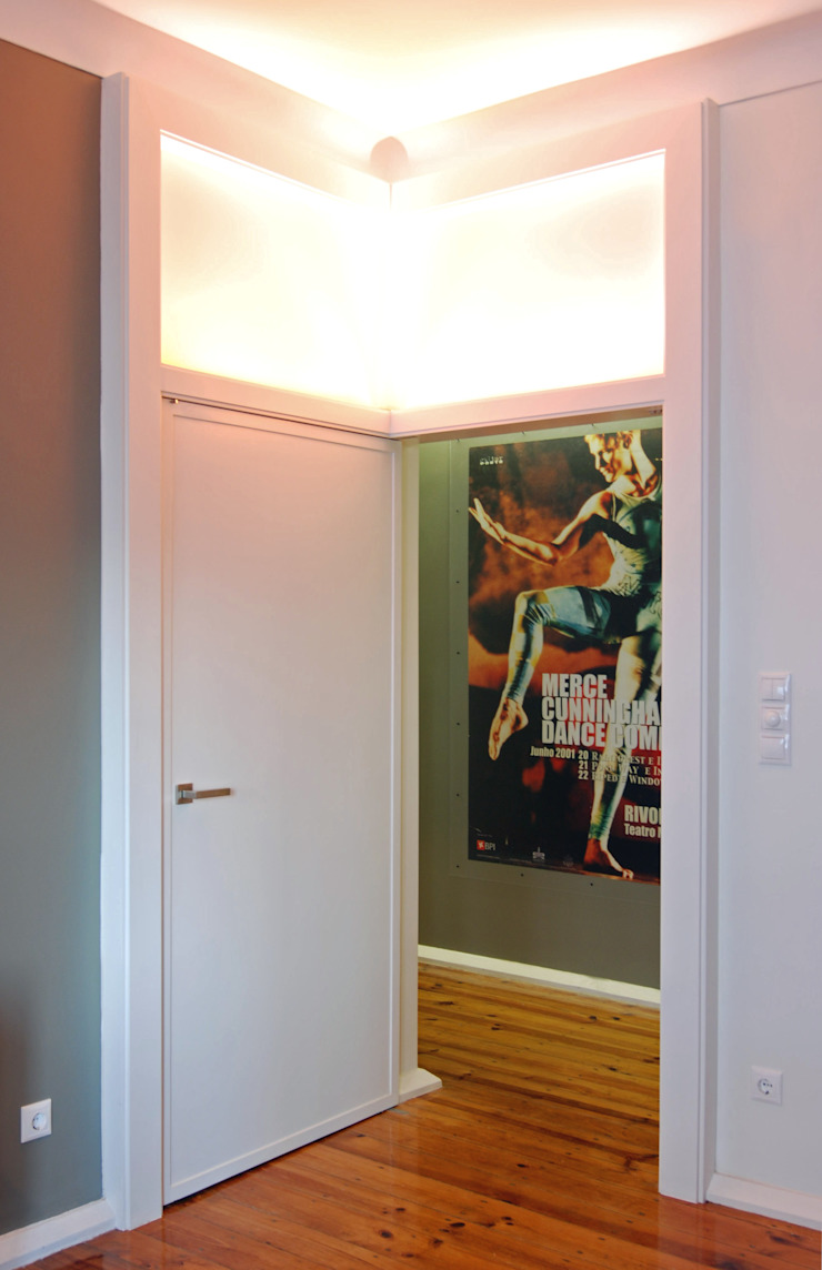 atelier B-L Eclectic style corridor, hallway & stairs