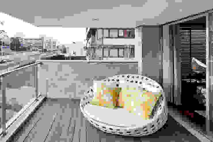 Apartamento Porto Varandas, marquises e terraços modernos por Jorge Cassio Dantas Lda Moderno
