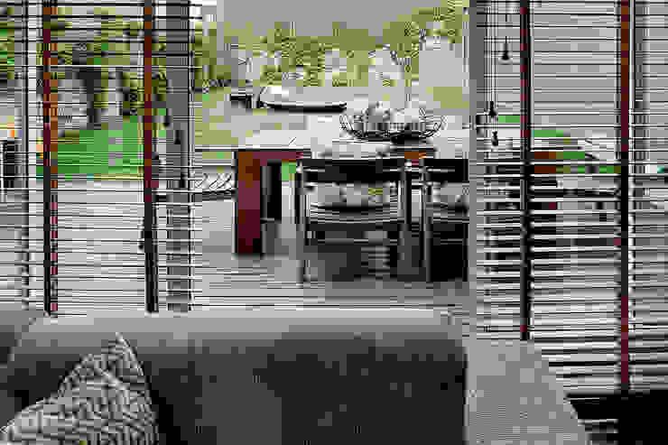 Modern style balcony, porch & terrace by Jorge Cassio Dantas Lda Modern