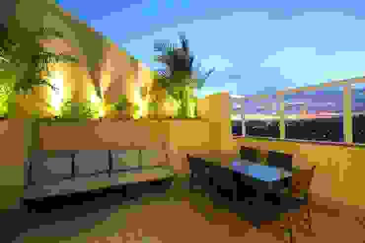 Terraço gourmet Varandas, alpendres e terraços modernos por Pricila Dalzochio Arquitetura e Interiores Moderno