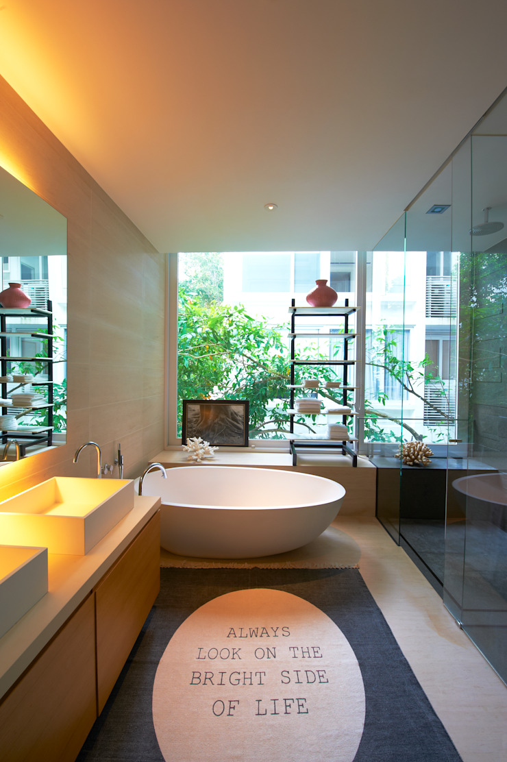 Eclectic style bathroom by Viterbo Interior design Eclectic