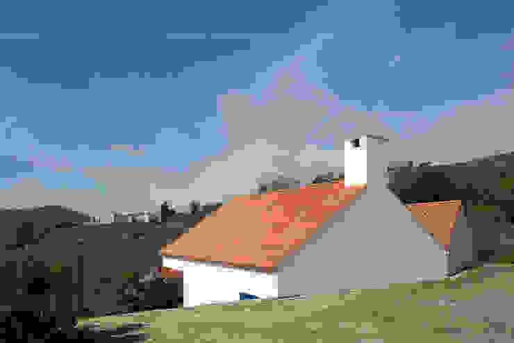 Casa Caseiros Casas campestres por SAMF Arquitectos Campestre