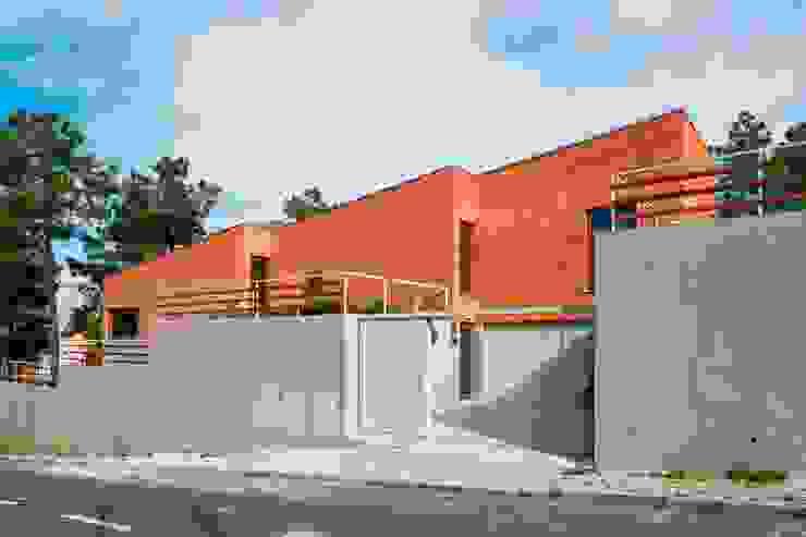 Conde House by SAMF Arquitectos Сучасний