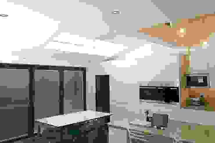 Single Storey Extension, Roxborough Rd Modern kitchen by London Building Renovation Modern