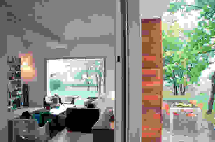 Scandinavian style living room by rdl arquitectura Scandinavian