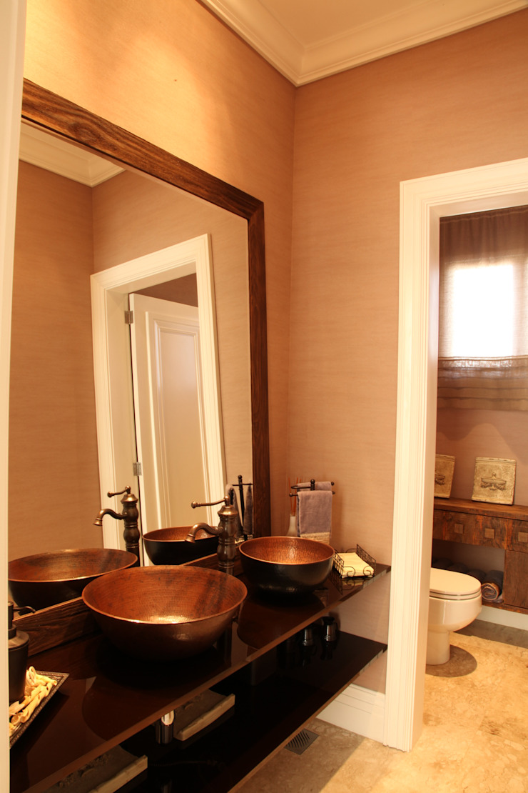 Rustic style bathrooms by Claudia Pereira Arquitetura Rustic
