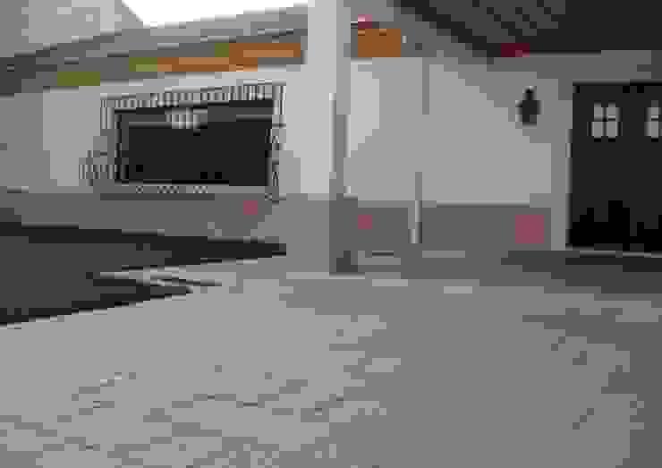 Habitação Unifamiliar Casas campestres por Gabiurbe, Imobiliária e Arquitetura, Lda Campestre