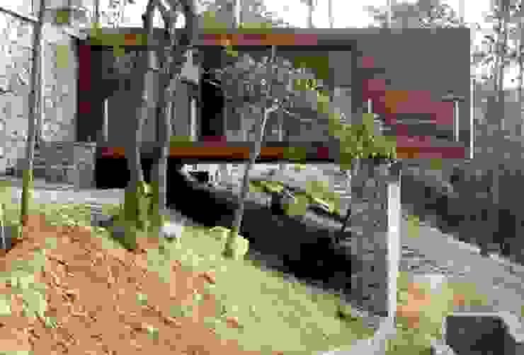 Casas estilo moderno: ideas, arquitectura e imágenes de EMA Espacio Multicultural de Arquitectura Moderno