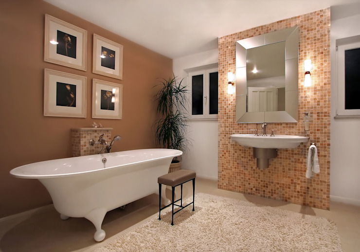 Using plants in large bathrooms Oleh Custom Media Klasik Serat Alami Beige
