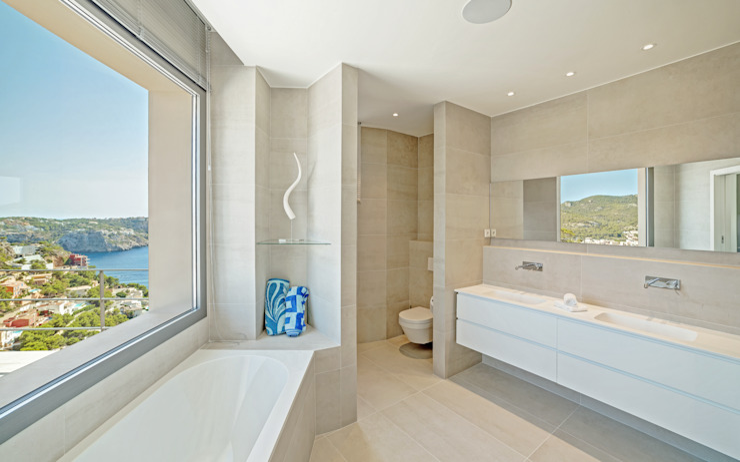 Ванные комнаты в . Автор – JAIME SALVÁ, Arquitectura & Interiorismo,