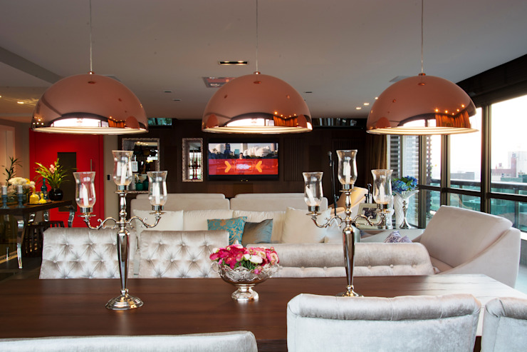 Modern dining room by Michele Moncks Arquitetura Modern