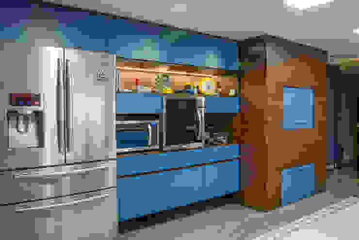 Michele Moncks Arquitetura Modern style kitchen