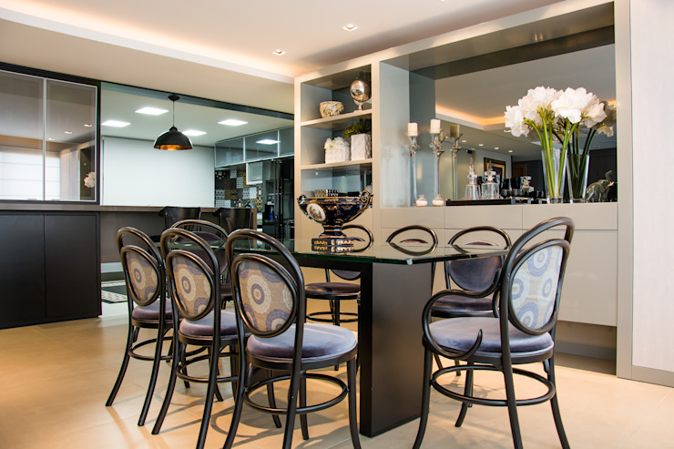 Jantar neutro e elegante Salas de jantar modernas por Michele Moncks Arquitetura Moderno