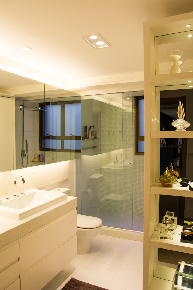 Michele Moncks Arquitetura Modern bathroom