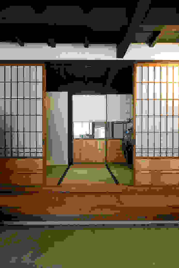 玄関(父母) の Hayashi Kenchiku-sekkeikoubo