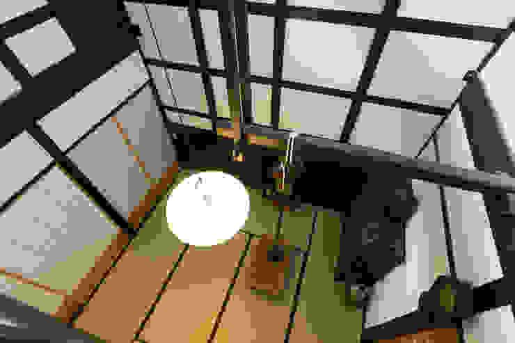 息子夫婦の居間 の Hayashi Kenchiku-sekkeikoubo