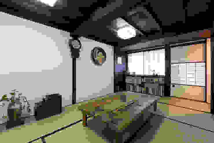 父母の居間 の Hayashi Kenchiku-sekkeikoubo