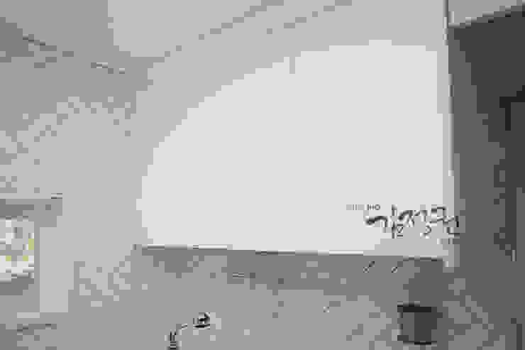 김정권디자이너 Modern Kitchen Fur White