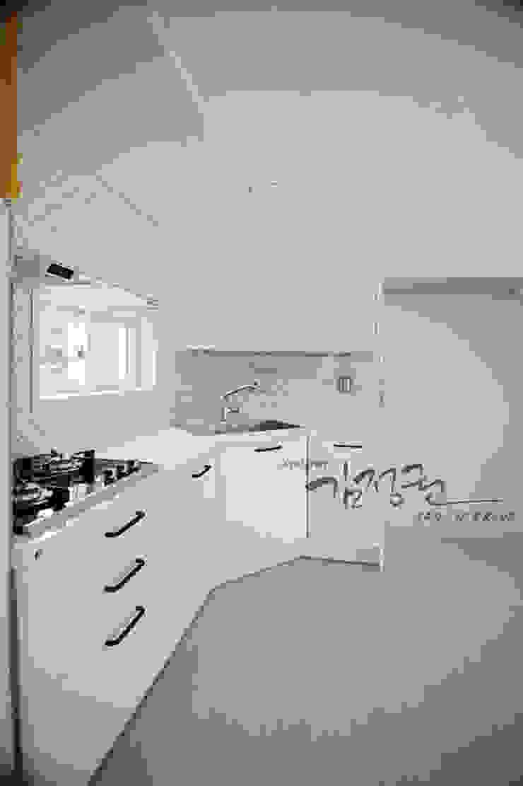 김정권디자이너 Modern Kitchen Porcelain White