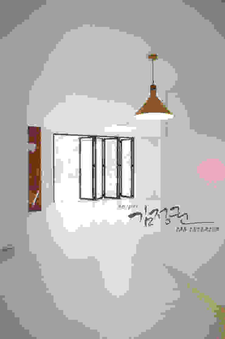 김정권디자이너 Modern Living Room Porcelain White