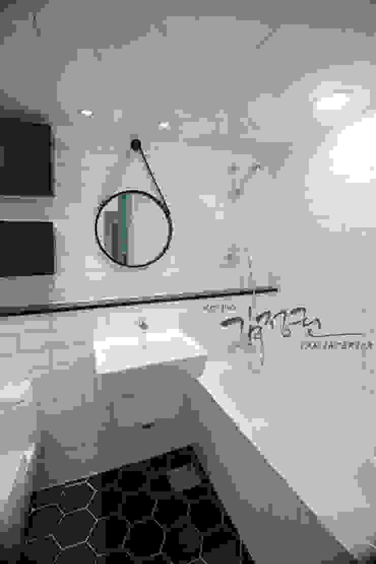 김정권디자이너 Modern Bathroom MDF White