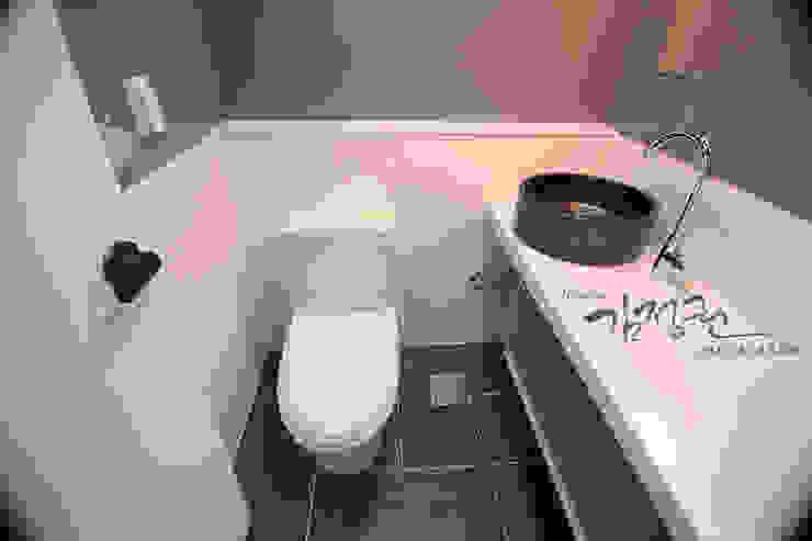 김정권디자이너 Modern Bathroom Porcelain White