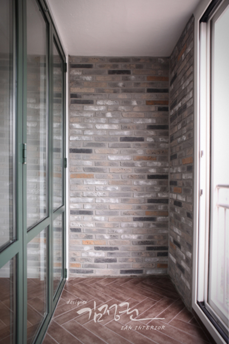 한빛 아파트 모던스타일 다이닝 룸 by 김정권디자이너 모던 벽돌