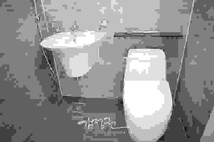 한빛 아파트 모던스타일 욕실 by 김정권디자이너 모던 사기