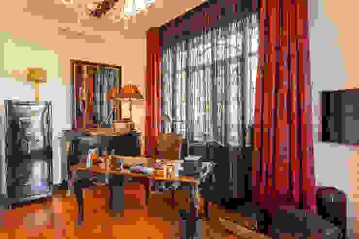 Квартира в современном стиле Рабочий кабинет в классическом стиле от ARTteam Классический