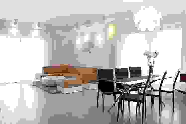 Living room by Biuro Projektów MTM Styl - domywstylu.pl,