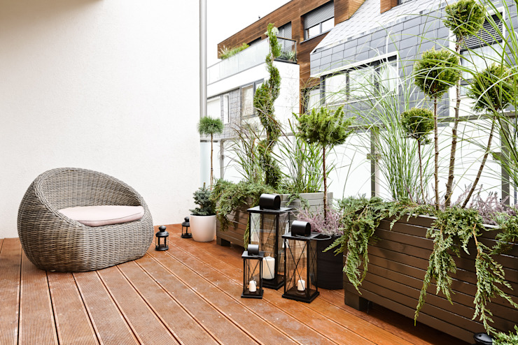 Scandinavian style balcony, veranda & terrace by Q2Design Scandinavian