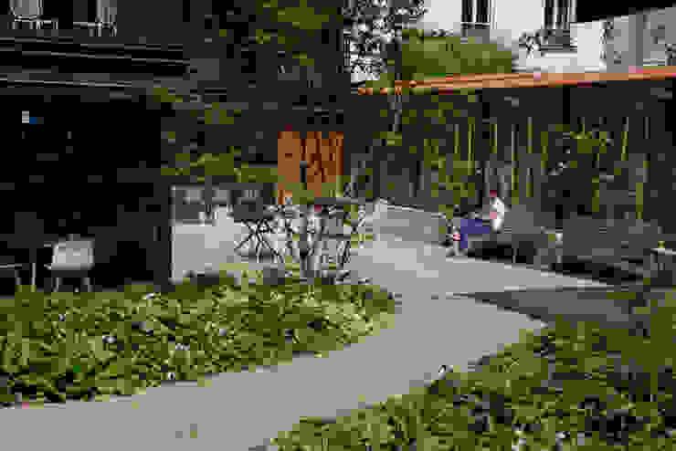 Foyer Mélingue, Paris 20ème Jardin moderne par Atelier Roberta Moderne