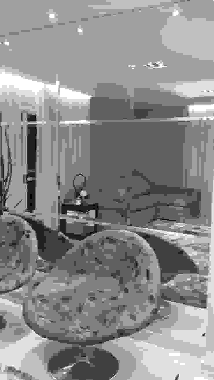 CASA CONDOMÍNIO FECHADO – SBC Salas de estar modernas por Trends Casa Arquitetura e Design Moderno