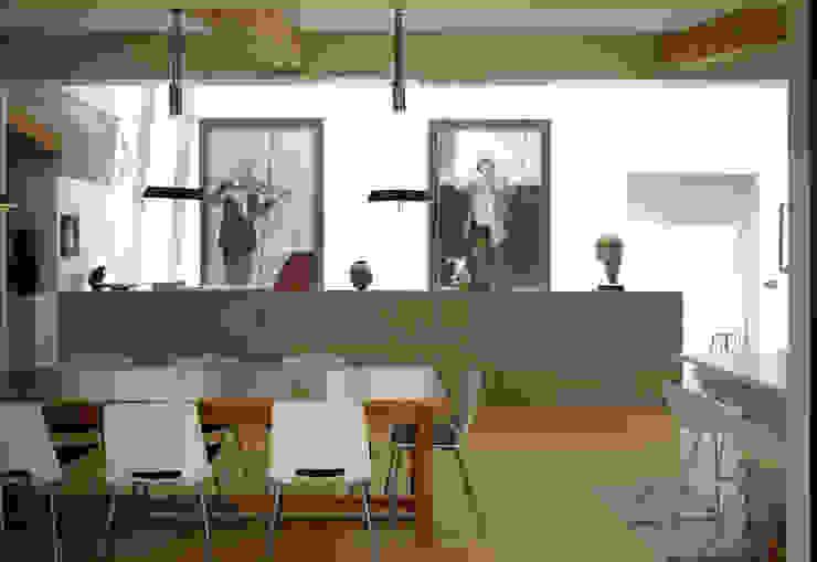 Twinneys Salle à manger moderne par Designscape Architects Ltd Moderne
