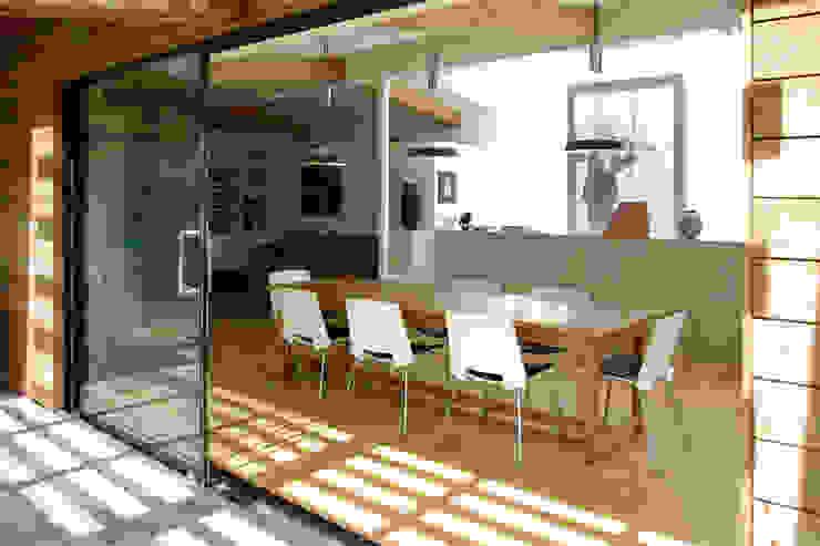 Twinneys Modern dining room by Designscape Architects Ltd Modern