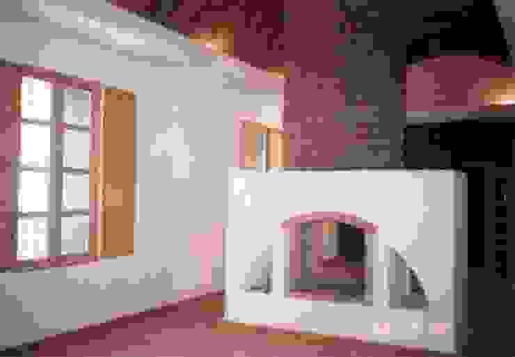 Piscinas de estilo moderno de Moya-Arquitectos Moderno