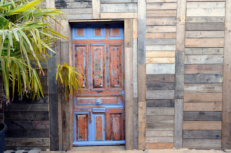 Eclectic style windows & doors by Frédéric TABARY Eclectic Wood Wood effect