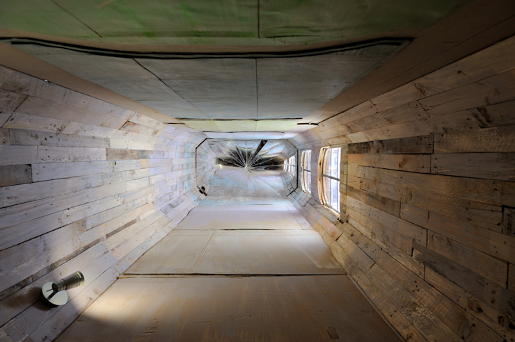 Villa Déchets à Nantes -Frederic Tabary- Garage / Hangar originaux par Frédéric TABARY Éclectique Bois Effet bois