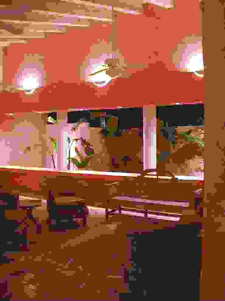 Terraza García Murillo Casas modernas de Moya-Arquitectos Moderno