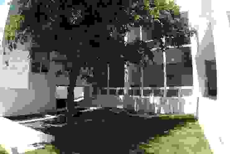 Casa Bazán Casas modernas de Moya-Arquitectos Moderno