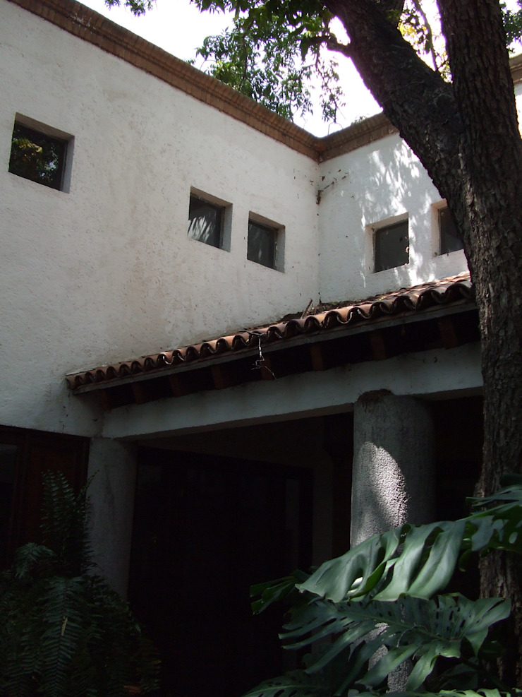 Casa Zertuche- El Saltillo Casas modernas de Moya-Arquitectos Moderno