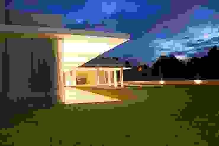 Residencia Condominio Pousada | Quatro Barras Casas modernas por Claudia Pereira Arquitetura Moderno