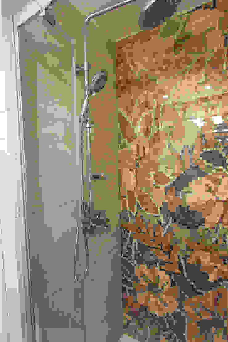 MIESZKANIE MOZAIKOWE W TYCHACH Nowoczesna łazienka od Architektura Wnętrz Magdalena Sidor Nowoczesny