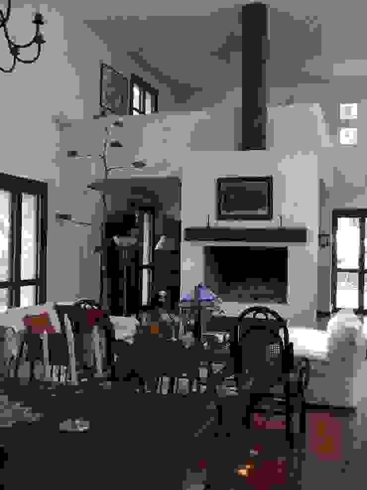 現代房屋設計點子、靈感 & 圖片 根據 Moya-Arquitectos 現代風