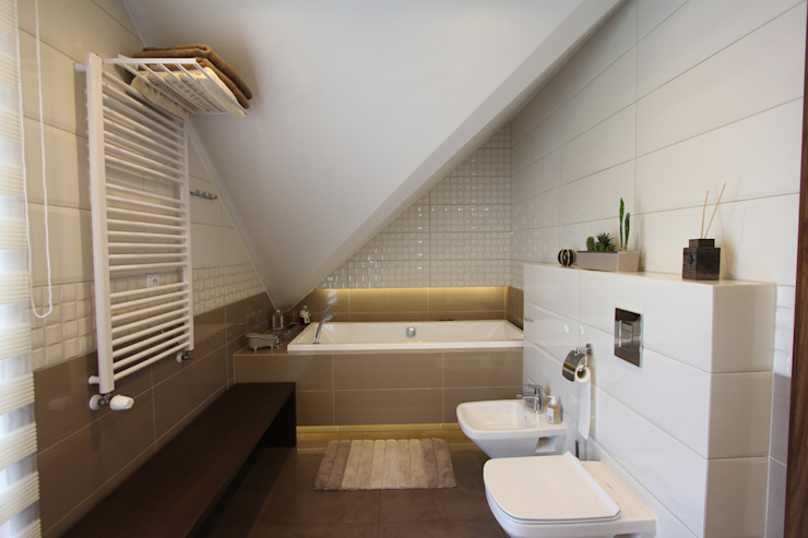 KOLOROWY DOM W RUDNIKACH Nowoczesna łazienka od Architektura Wnętrz Magdalena Sidor Nowoczesny